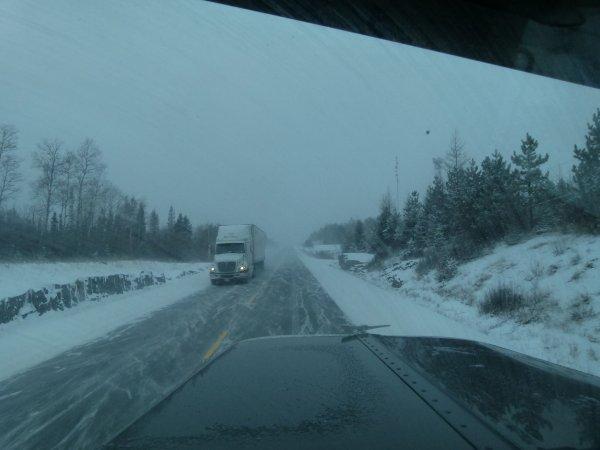 ;)    Divers ensembles routiers du Canada pris un peu partout au Canada    ;)