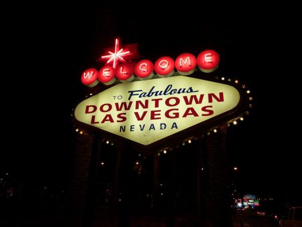 ;)    Las Vegas de nuit    ;)