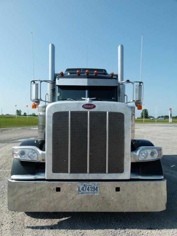 ;)    :)    Les rajouts personnels sur mon truck    :)    ;)