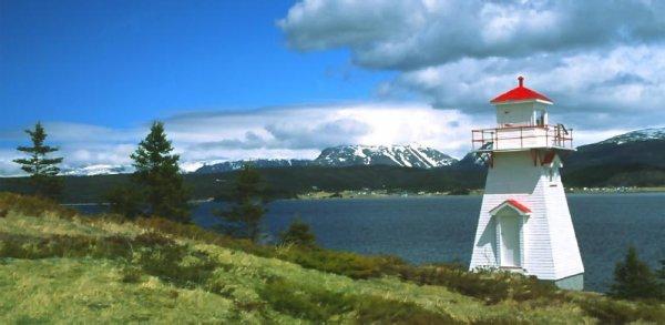 ;)    Direction la ville de St John's sur l'Ile de Terre-Neuve a l'Est du Canada    ;)
