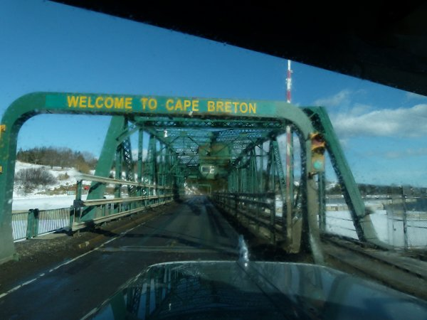 ;)    Cap-Breton    ;)