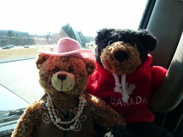 ;)    :)    Salute tou le monde lé gen de blog... cé encote Teddy et Texane !!!     :)    ;)