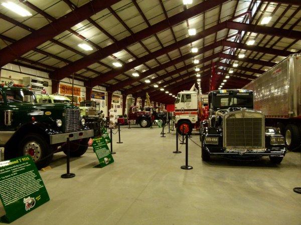 """;)    Comme promis, la page 182 sera consacrée au """"musée du camion"""" a Iowa 80    ;)"""