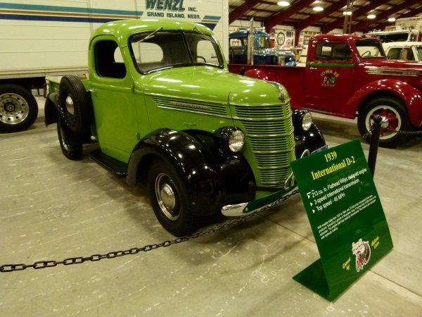 :)    Camions de l'année 1930 à 1939    :)