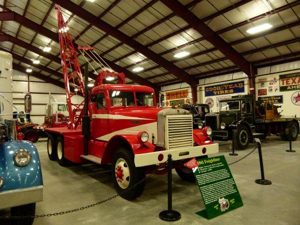 :)    Camions de l'année 1940 à 1949    :)