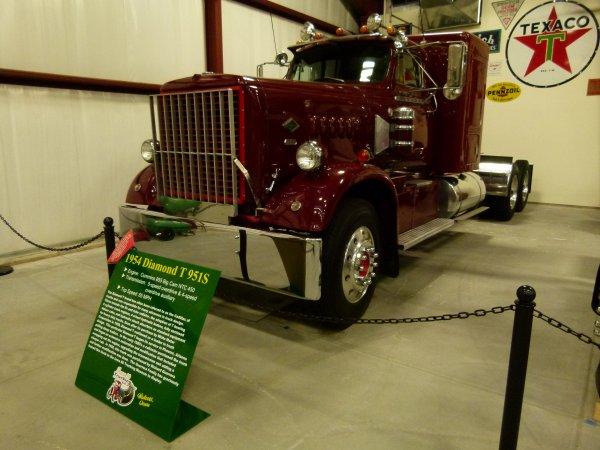 :)    Camions de l'année 1950 à 1959    :)