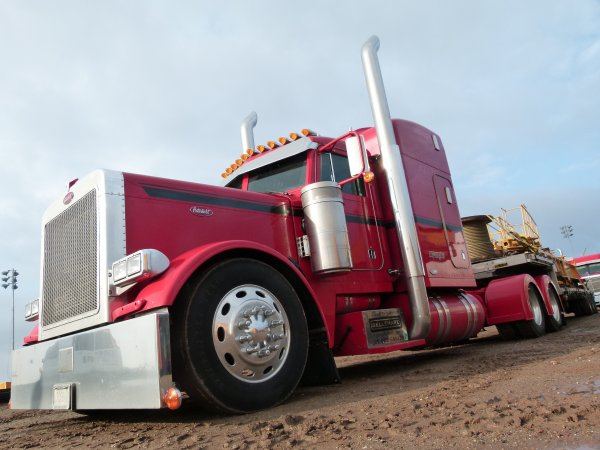 :)    Un peu de truck vu un peu partout    :)