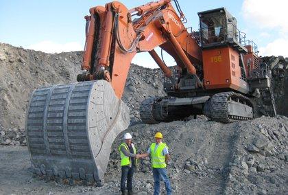 Transportation d'une grue Hitachi de 220 tonnes
