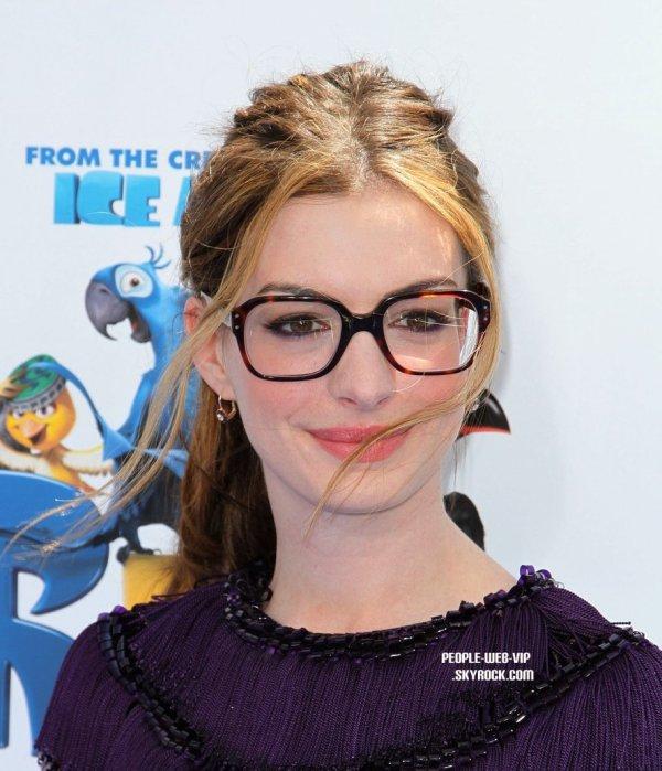 "Anne Hathaway Ziegfeld Theatre: Articles De People-Web-VIP Taggés ""Anne Hathaway"""