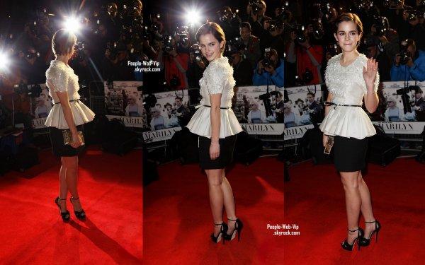 > Emma Watson  Emma  sur le tapis rouge à la première britannique de leur nouveau film, My week with Marilyn  (dimanche (Novembre 20) au Cineworld Haymarket à Londres, en Angleterre.)