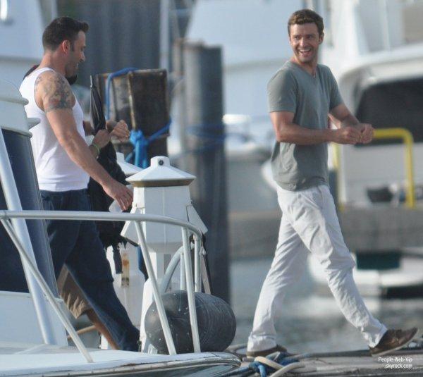 Ben Affleck et Justin Timberlake ensemble sur le tournage de leur prochain film Runner Runner (mardi Runner (Juillet 17) à Porto Rico.)