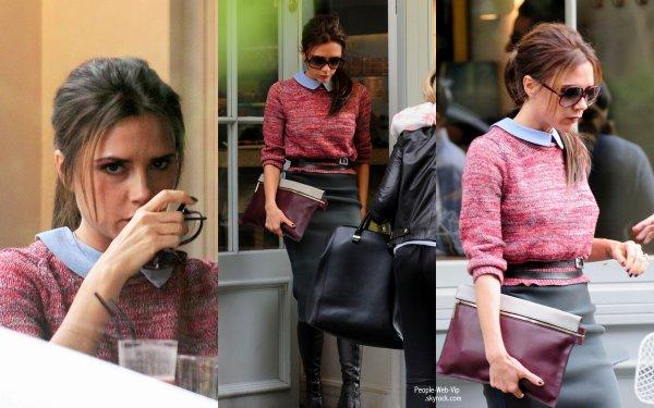 Victoria Beckham aperçu dans un petit restaurant londonien ( samedi (Juillet 21) à Londres, en Angleterre.)