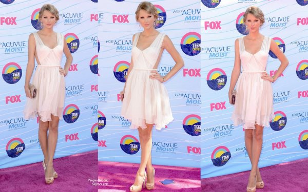 Taylor Swift  sur le Red carpet des Teen Choice Awards 2012  (dimanche (22 Juillet) à Universal City, Californie)