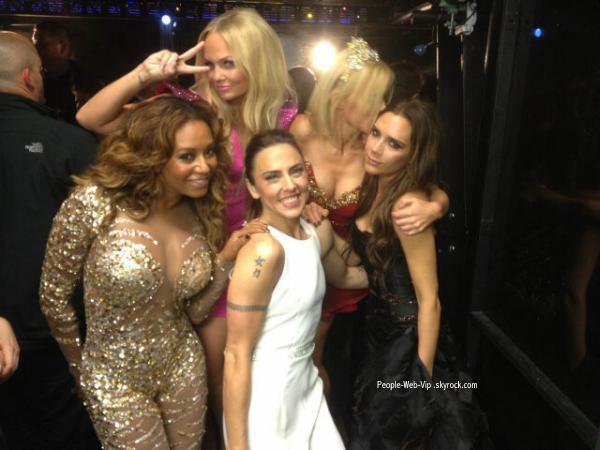Les Spice Girls, Victoria Beckham, Emma Bunton, Geri Halliwell, Melanie Brown, Melanie Chisholm  lors de la cérémonie de clôture des Jeux olympiques d'été de 2012  Hé oui, meme pas de sourire de la part de Victoira !  (dimanche (Août 12) à Londres, en Angleterre.)