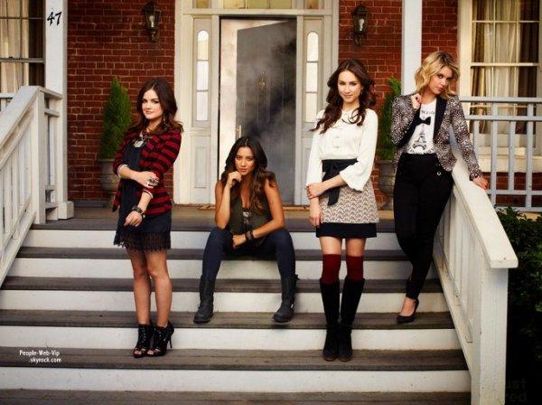 Pretty Little Liars : Lucy Hale, Troian Bellisario, Ashley Benson et Shay Mitchell posent ensemble pour la prochaine saison de  Pretty Little Liars. (la saison 4 )