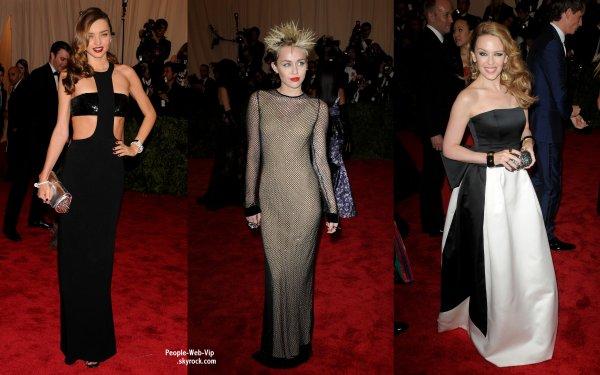 LE TAPIS ROUGE DE LA CÉRÉMONIE DES MET GALA 2013 ! OU TROUVER LES PIRES LOOKS DES STARS ? C'EST BIEN AU MET GALA !   Le pire look est attribué a Miley Cyrus ! Les autres stars sur le tapis rouge : Rosie Huntington Whiteley,  Miranda Kerr, Kylie Minogue, Rita Ora, Nicki Minaj et Uma Thurman. (au Metropolitan Museum of Art, le lundi (le 6 mai) à New York.)
