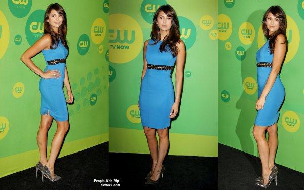 Nina Dobrev et son ex petit-ami Ian Somerhalder (oui oui ils sont plus ensemble) arrivent à la  The CW Network's New York 2013 Upfront Presentation (à l'Hôtel London le jeudi (16 mai) à New York.)
