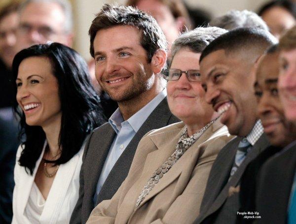 Bradley Cooper assistait à la conférence sur la santé mentale dans la East Room de la Maison Blanche  (lundi (3 Juin) à Washington, DC)