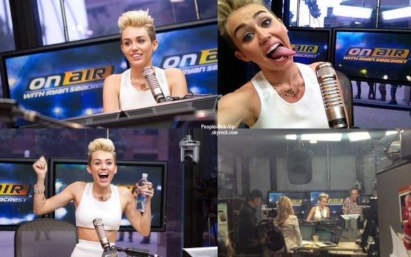"""Miley Cyrus s'est rendue a l'émission de radio de Ryan Seacrest pour la première de son single """" We can't stop"""" (matin lundi (3 Juin) à Los Angeles.)"""
