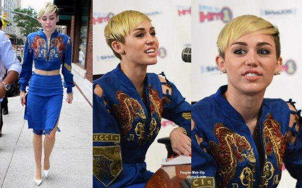 Miley Cyrus s'est rendue a la station de radio SiriusXM  (jeudi matin (27 Juin) à New York.)