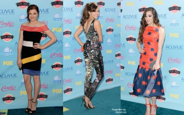 LES TEEN CHOICE AWARDS 2013 - RED CARPET  Joe Jonas, Kévin Jonas, Nick jonas, Danielle Jonas, Ashley Benson, Nina Dobrev, Chloe Moretz et Hailee Steinfeld sur le tapis lors des TCA 2013  ( dimanche (11 Août) à Los Angeles.)