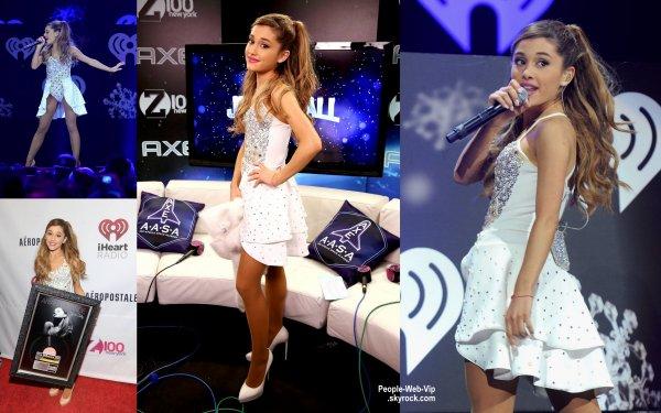 Ariana Grande, Lindsay Lohan et Miley Cyrus aperçues posent pour les photographes pendant la cérémonie des  Z100''s Jingle Ball 2013 ! ( au Madison Square Garden le vendredi (13 Décembre ) à New York .)