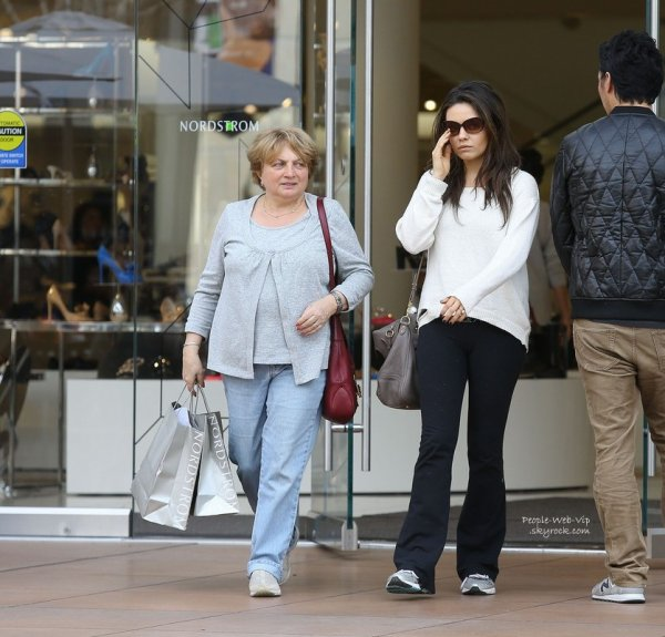 RUPTURES // FIANÇAILLES !  Robin Thicke divorce, Katy Perry se retrouve solo et Mila Kunis a dit OUI !