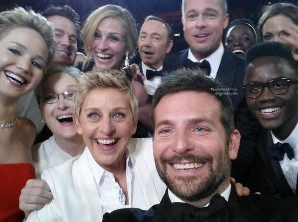 Ellen DeGeneres : LE SELFIE LE PLUS COOL DU MONDE ! Cette photo bat le record de Twitter avec plus de 2 millions de RT en quelques heures. C'est le meilleur selfie de tous les temps. L'image, postée par l'animatrice Ellen DeGeneres et prise à bout de bras par Bradley Cooper, Jennifer Lawrence, Channing Tatum, Meryl Streep, Julia Roberts, Kevin Spacey, Brad Pitt, Lupita Nyong'o et Angelina Jolie !