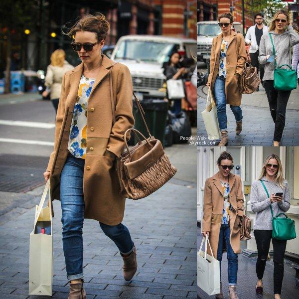 Rachel McAdams a été aperçue avec sa s½ur Kayleen  pendant une virée shopping dans les rues de NY  ( mardi (6 mai ) dans le quartier SoHo de New York City .)
