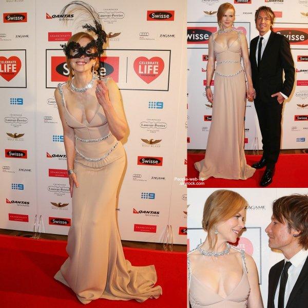 "Nicole Kidman pose avec son mari Keith Urban pendant le ""Celebrate Life Ball"" ( vendredi (Juin 13) à Melbourne, en Australie.)"