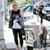 Hilary Duff a été aperçue dans les rues de Beverly Hills quittant un salon de manucure ( lundi (23 Juin) à Beverly Hills, en Californie)