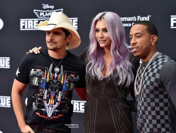 """Kesha a été aperçue à la première du dernier film de Disney """" Planes : Fire & Rescue """"  (au El Capitan Theatre, le mardi (15 Juillet) à Hollywood. )"""