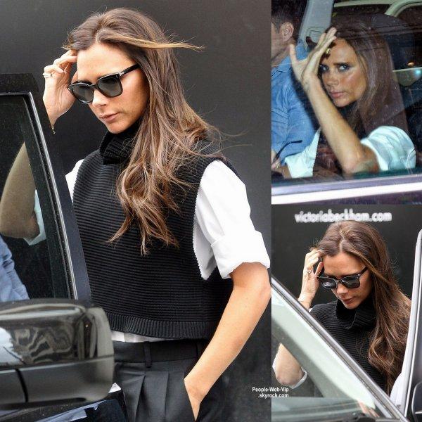Victoria Beckham aperçue dans les rues de Londres. ( vendredi après-midi (Août 29) à Londres, en Angleterre. )