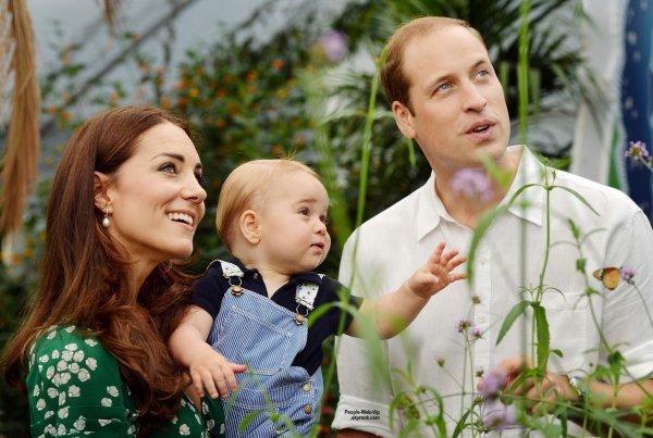 ROYAL NEWS !  Le Prince William et Kate Middleton viennent d'annoncer qu'ils attendent un second enfant !! Alors, un petit frère ou une petite s½ur pour le prince George ? Félicitations à l'heureuse famille !
