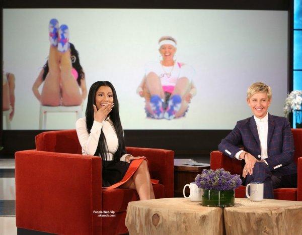 """Quelques photos de Nicki Minaj sur le plateau de l'émission """" The Ellen DeGeneres Show"""" (diffusée ce mercredi (10 Septembre)"""