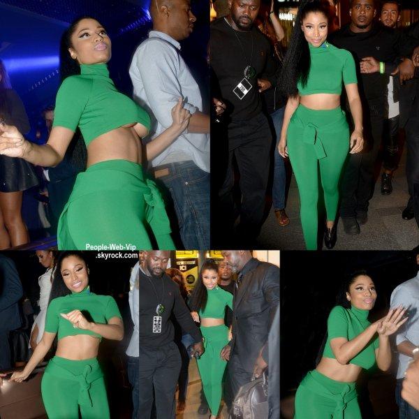 """Nicki Minaj hyper sexy, a été aperçue au Club 79 à Paris. Plus tôt dans la soirée, Nicki et Beyonce ont chanté leur duo """"Flawless Remix"""" lors du concert """"On the Run Tour."""" du couple Carter. (vendredi (Septembre 12) à Paris, France. )"""