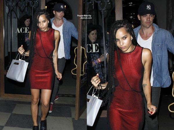 Zoe Kravitz et Chris Pine à la sortie du Ace Hotel après avoir assister à un concert très privé de Coldplay, durant lequel Jennifer Lawrence a été aperçue pour soutenir son homme, Chris Martin.  ( mercredi (17 Septembre) à Los Angeles. )