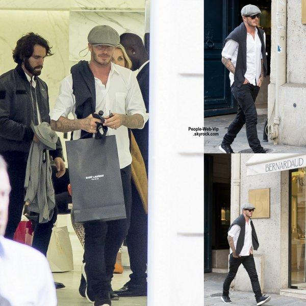 David Beckham a été aperçu dans les rues de Paris lors d'une virée shopping dans le magasin Saint Laurent  (mardi (30 Septembre) à Paris, France. )