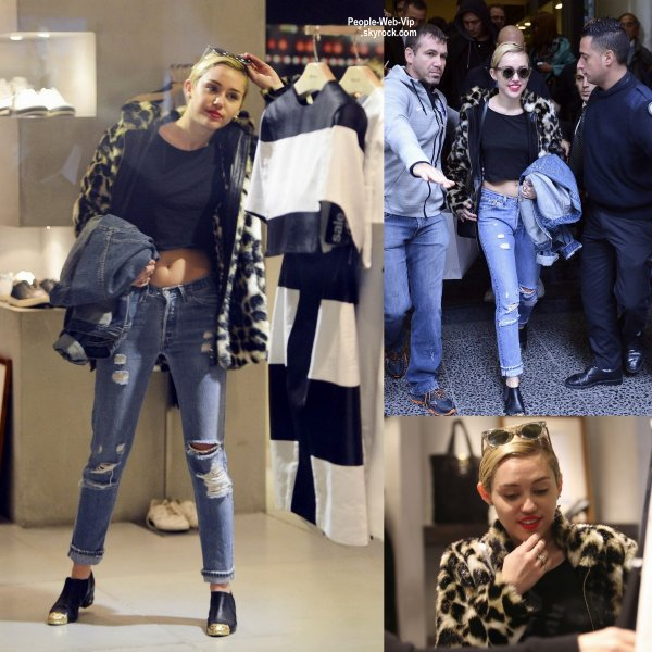 Miley Cyrus a été aperçue dans les rues de Buenos Aires pendant une virée shopping dans le centre commercial Patio Bullrich. (vendredi après-midi (Octobre 3) à , en Argentine. )