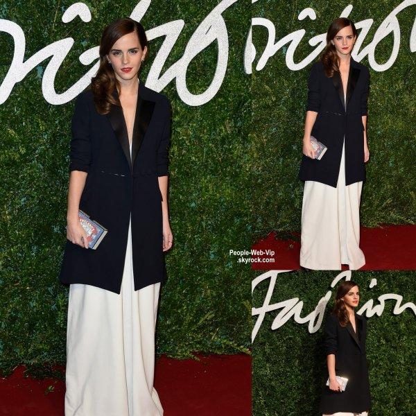 - British Fashion Awards 2014 -  Emma Watson a été aperçue sur le tapis rouge des British Fashion Awards 2014 tenue au London Coliseum  (lundi (1 Décembre) à Londres, en Angleterre.)