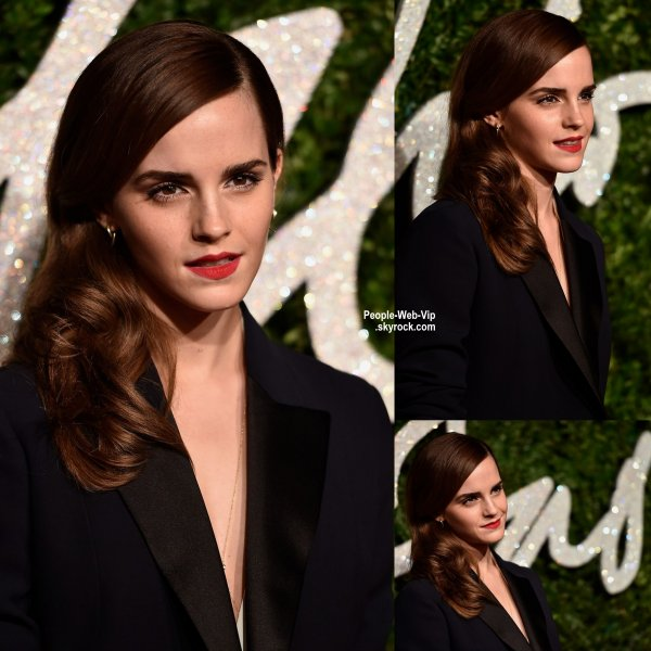 - British Fashion Awards 2014 -  Emma Watson a été aperçue sur le tapis rouge des British Fashion Awards 2014 tenue au London Coliseum  (lundi (1 Décembre) à Londres, en Angleterre.)