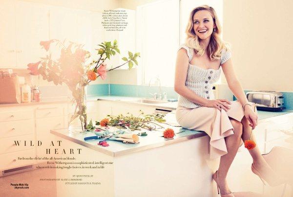 """Reese Witherspoon : Découvrez son photo shoot pour le magazine """" Harper Bazaar UK"""" Prise par le photographe Alexi Lubomirski, l'actrice pose avec les marques Nina Ricci, Balenciaga, Michael Kors et Dior. Reese enfile des chaussures Jimmy Choo. Qu'en pensez vous?"""