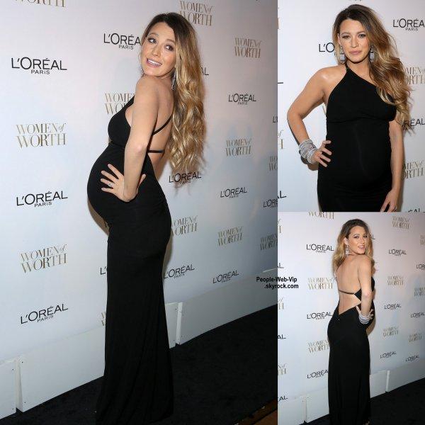 """Bientôt maman, Blake Lively a été aperçue à la soirée """"L'Oreal Paris' 2014 Women Of Worth Celebration""""  tenue à l'Hôtel Pierre  (mardi (2 Décembre) à New York City.)"""