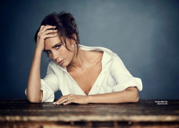 """Victoria Beckham:  """"Vogue Chine"""" dévoile quelques photos de madame Beckham qui fera une apparition dans le numéro de Janvier du magazine."""