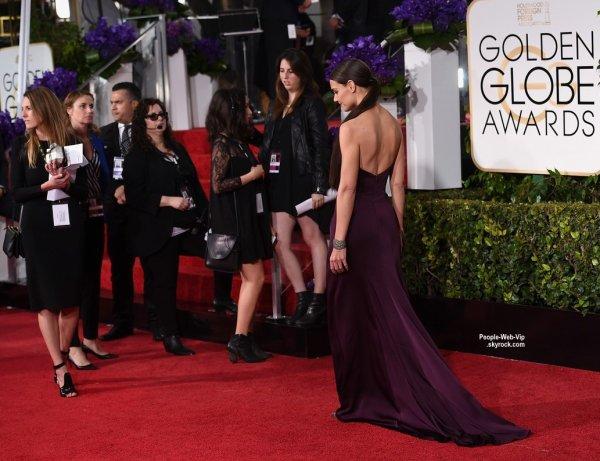 - Golden Globe Awards 2015 -   Kerry Washington, Katie Holmes, Jeremy Renner, Jennifer Aniston et son fiancé Justin Theroux, Lupita Nyong'o, Salma Hayek sur le tapis rouge des Golden Globe Awards 2015 à l'Hôtel Beverly Hilton. (dimanche (11 Janvier) à Beverly Hills, en Californie.)