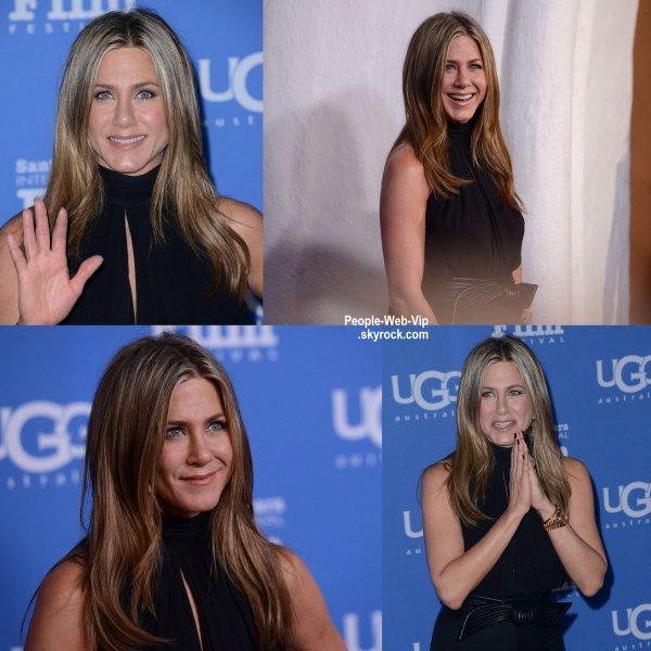"""Jennifer Aniston a été aperçue à la cérémonie """"2015 Santa Barbara Film Festival """" au Théâtre Arlington. L'actrice de 45 ans était là pour recevoir le prix Montecito pour sa carrière d'actrice. (vendredi soir (30 Janvier) à Santa Barbara, en Californie.)"""