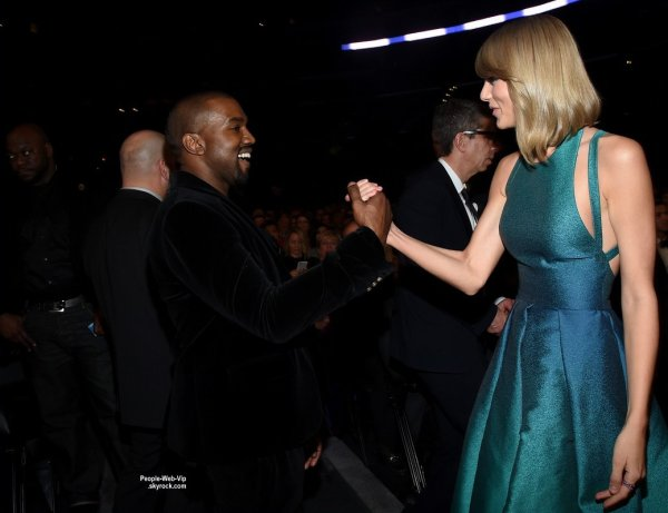 - LES GRAMMY's AWARDS 2015 - PHOTOS BACKSTAGE (dimanche (8 Février) à Los Angeles.)