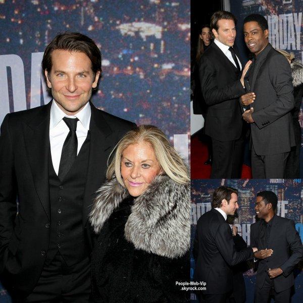 Kerry Washington, Dakota Johnson, Taylor Swift, Tina Fey, Catherine Zeta-Jones, Michael Douglas et Bradley Cooper lors de la célébration du 40e anniversaire du Saturday Night Live. ( à Rockefeller Plaza le dimanche (15 Février) à New York City.)