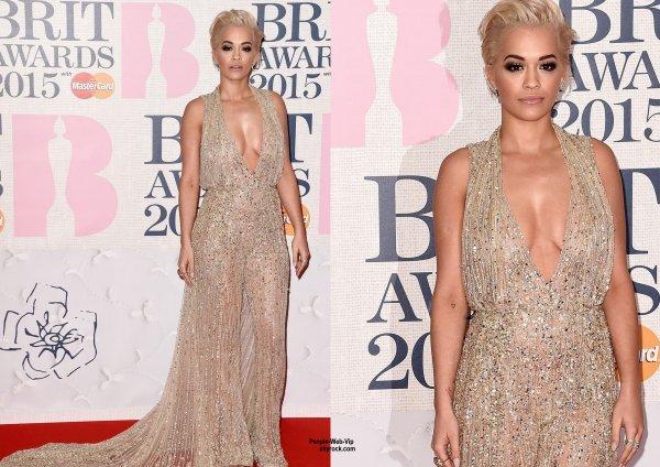 Taylor Swift, Rita Ora, Sam Smith, Ed Sheeran, Deux Spice Girls, Melanie Chisholm et Emma Bunton sur le tapis rouge aux BRIT Awards 2015 tenue à l'O2 Arena ( mercredi (25 Février) à Londres, en Angleterre)