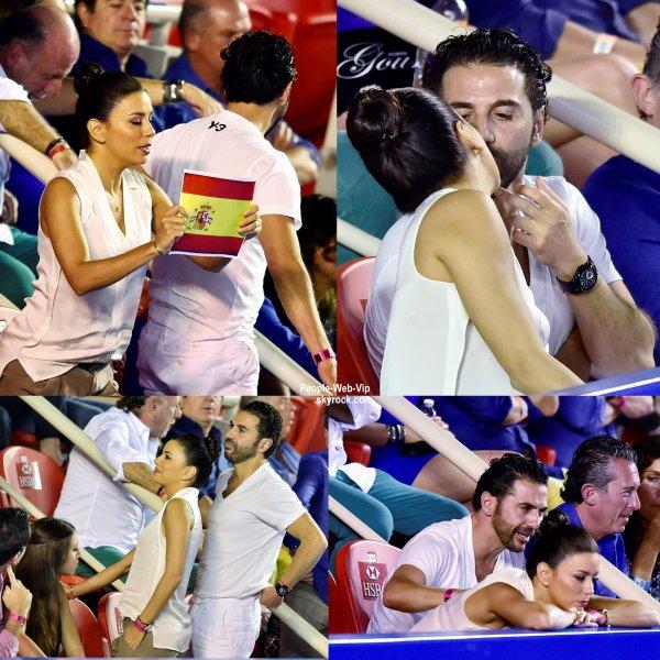 """Eva Longoria a été aperçue avec son amoureux Jose Antonio Baston au """"Mexican Open""""  ( samedi (28 Février) à Acapulco, au Mexique.)"""